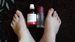 Füße (Aconit Schmerzöl (Fa. WALA), Magnesiumöl)